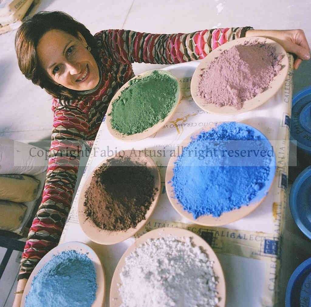 rossana caleca - azienda CALECA articoli in terracotta e ceramic